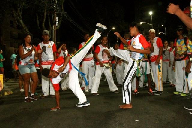 Portal Capoeira Bahia: Bloco da Capoeira comemora dez anos de folia Notícias - Atualidades
