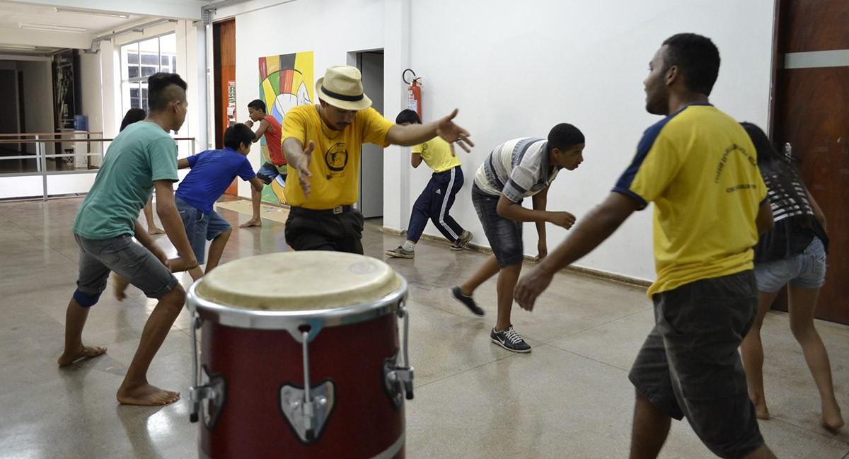 """Tocantins: Projeto """"Jogando Capoeira Angola – Quebrando Preconceitos"""""""