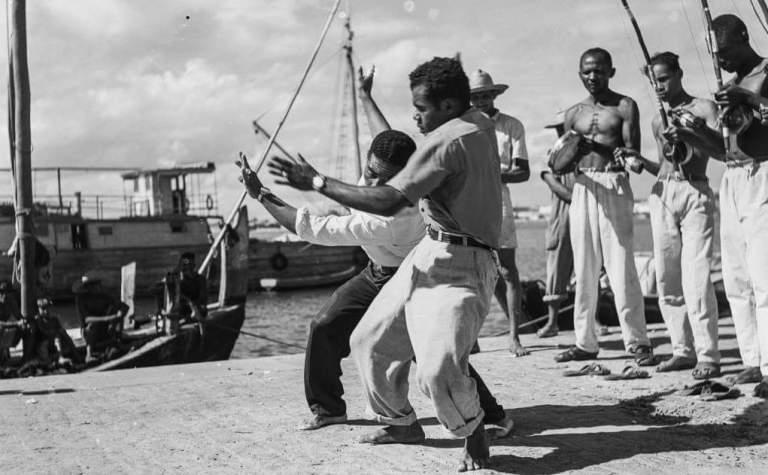 Portal Capoeira Mestre Waldemar e sua turma através das lentes de Marcel Gautherot Capoeira Curiosidades