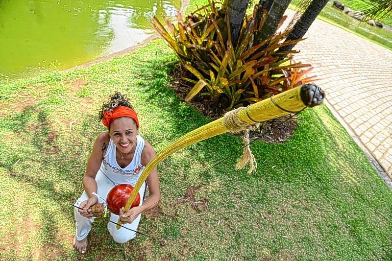 """Capoeira é """"gatilho"""" para o empoderamento feminino Capoeira Mulheres"""