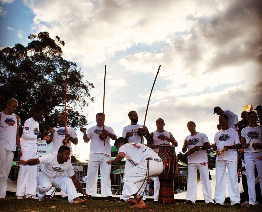 Só se melhora a capoeira, melhorando o capoeirista Publicações e Artigos Portal Capoeira 1