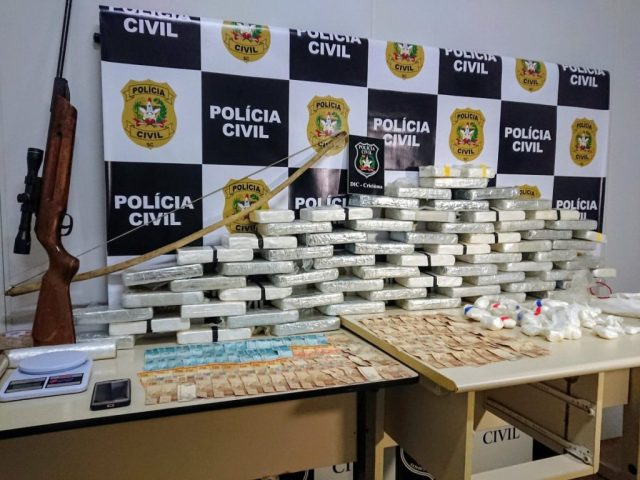 """""""Operação Berimbau"""" - Polícia Civil apreende mais de 65kg de cocaína pura em Nova Veneza Notícias - Atualidades Portal Capoeira"""