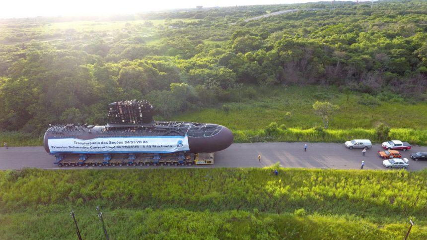 Clube Recomenda: Corte de verbas atrasa fabricação de submarinos brasileiros