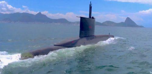 Cerimônia de lançamento ao mar do submarino