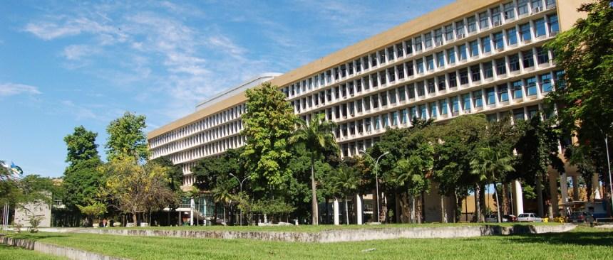 Longa vida à Universidade Federal do Rio de Janeiro!