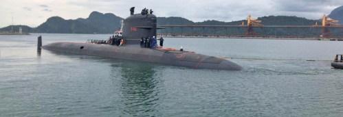 Submarino Riachuelo inicia provas de mar