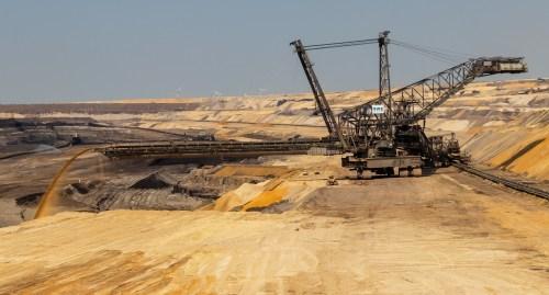 Clube de Engenharia em debate: o impacto da mineração na economia nacional