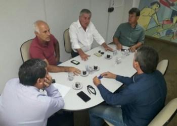 Diretoria do Anápolis estuda projeto da base