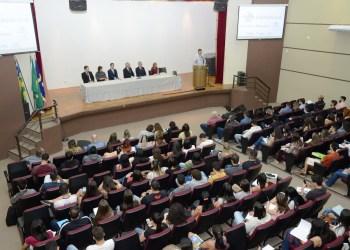 Aula Magna do Curso de Direito lotou o Salão Nobre Richard Edward Senn