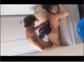 Namoradinha 21 aninhos sendo fudida na cama