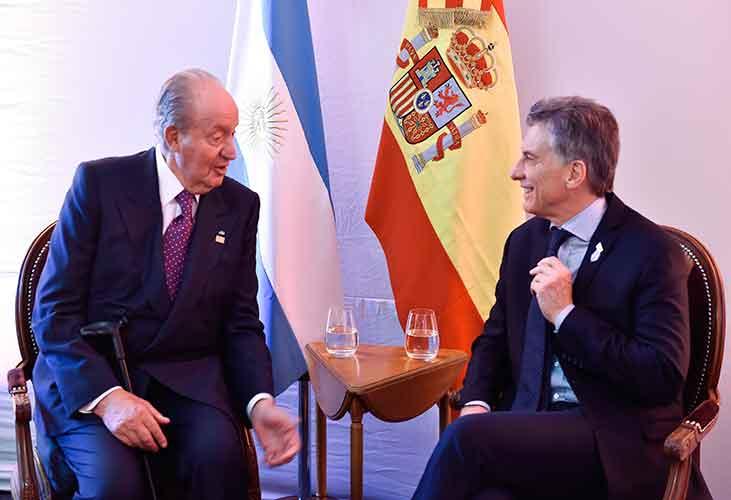 El presidente Mauricio Macri junto a Juan Carlos de Borbón, el polémico caído Rey de España