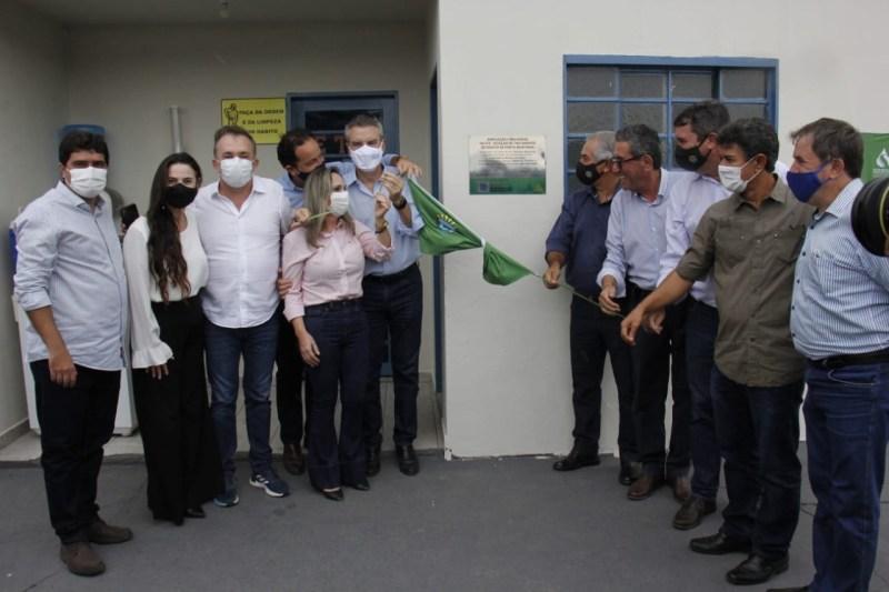 Valdir Júnior participa do ato de entrega de obras do governo em Porto Murtinho