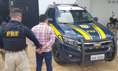 Em Porto Velho (RO), PRF prende falso policial militar