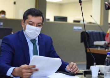 'AMBULANCHAS' PARA SOCORRER RIBEIRINHOS DO AM, EMENDA DE FELIPE SOUZA À LDO 2021