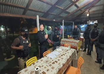 PC PRENDE DOIS INDIVÍDUOS PELOS CRIMES DE TRÁFICO DE DROGAS E ASSOCIAÇÃO PARA O TRÁFICO EM NOVO AIRÃO