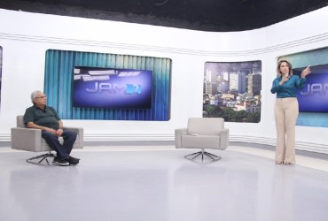 AMAZONINO APRESENTA O PROGRAMA RENDA MANAUS EM ENTREVISTA NA TV