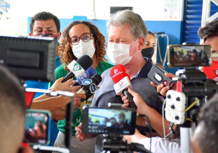 'Não seria justo com a população', defende Arthur Neto ao impedir reajuste de água em Manaus