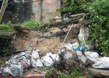 Chuva de hoje causou deslizamentos de barrancos em Manaus