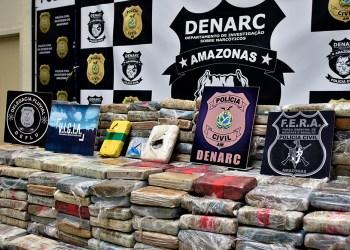 Polícia Civil do Amazonas prende dois indivíduos e apreende 200 quilos de maconha do tipo skunk