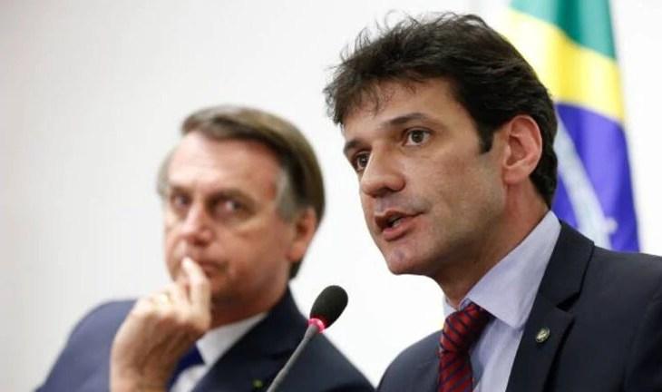 Jair Bolsonaro demite o ministro Marcelo Álvaro Antônio