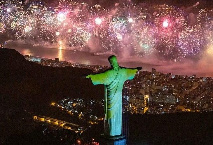 Prefeitura do Rio proíbe queima de fogos na orla no Réveillon