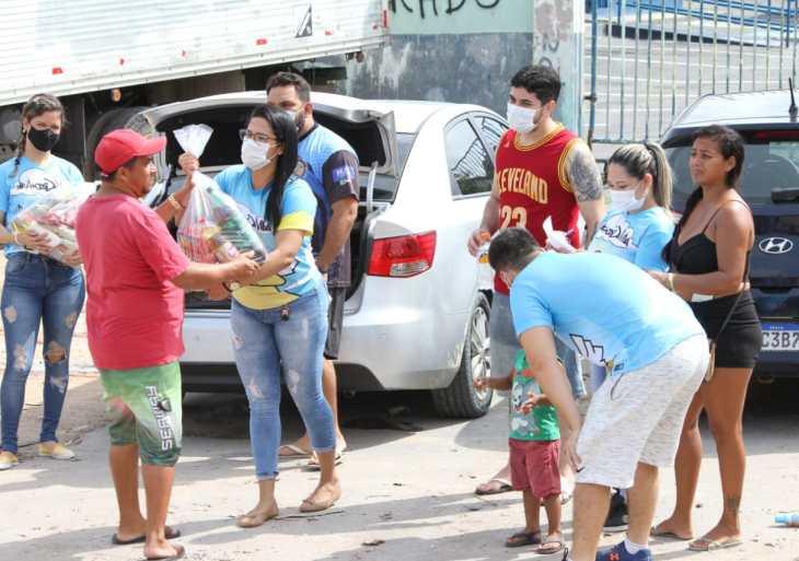 Grupo Anjos da Vida encerra o ano com entrega de alimentos para famílias carentes em Manaus