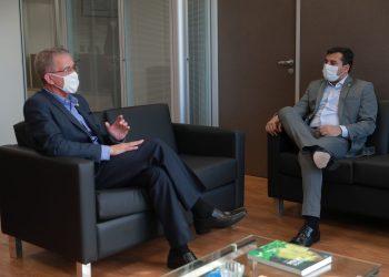 Em Brasília, Wilson Lima solicita a abertura de mais leitos no Hospital Getúlio Vargas para pacientes com Covid-19