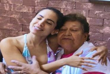 Fã processa Anitta e Netflix por uso de imagem em documentário