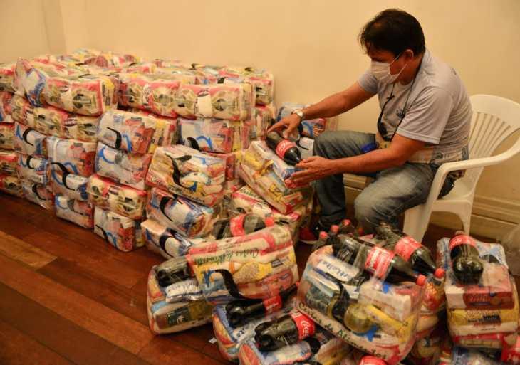 Secretaria de Cultura e Economia Criativa entrega mais de 160 cestas básicas a artistas e técnicos