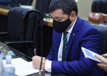 """Felipe Souza indica implementação do """"Balcão Único"""" para simplificar abertura de empresas no Amazonas"""