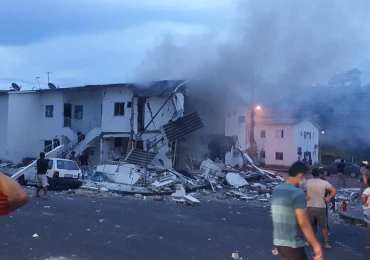 Explosão em condomínio deixa ferido e apartamento destruído em Manaus