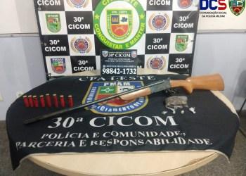 PM apreende drogas, arma de fogo e munições no ramal do Brasileirinho, na zona leste