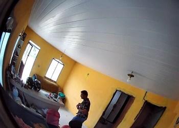 Vídeo; PC solicita colaboração na divulgação da imagem de suspeito de furtar casas em Iranduba