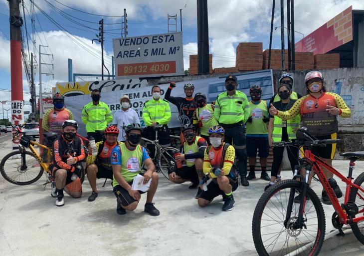 Prefeitura realiza ação de conscientização sobre respeito aos ciclistas