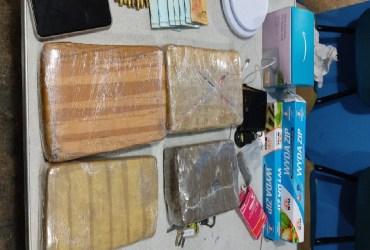 Casal é preso com munições e mais de 4 quilos de drogas no AM