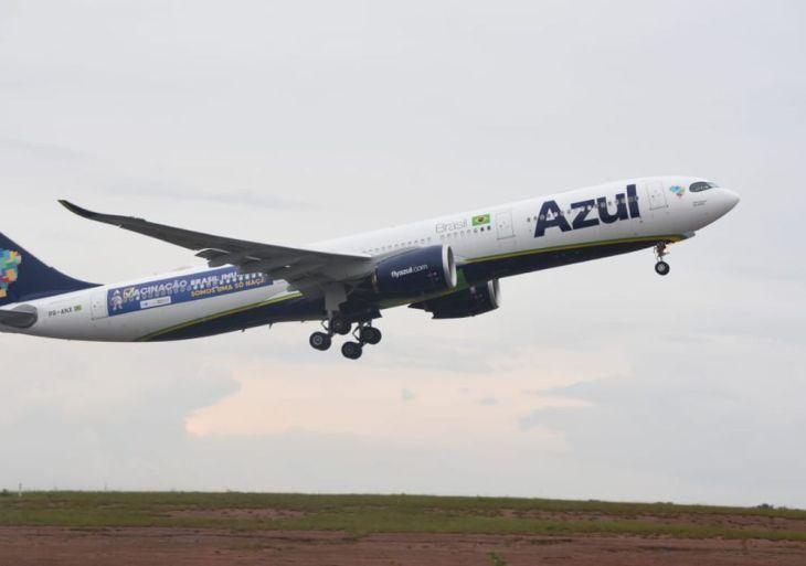 Aeronave da azul que transportará vacinas contra a covid-19.
