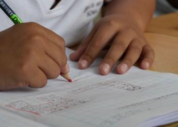 Escolas de educação infantil retornam ao ensino híbrido nesta segunda-feira