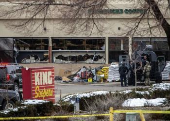 Atirador mata policial e 9 civis em ataque a mercado do Colorado, nos EUA