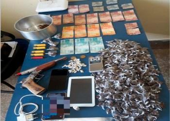 PMAM detém quatro pessoas por tráfico de drogas, posse irregular de arma de fogo e associação para o tráfico em Uarini