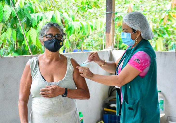 Prefeitura de Manaus continua vacinação nas comunidades ribeirinhas