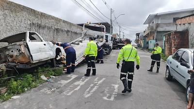 Agentes da prefeitura mantêm trabalho intenso para garantir segurança e fluidez nas ruas de Manaus