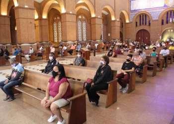 Aparecida abre missa de Páscoa ao público após decisão do STF