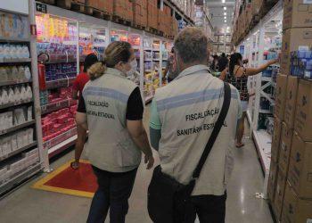 CIF autua supermercados por descumprimento de medidas preventivas contra a Covid-19