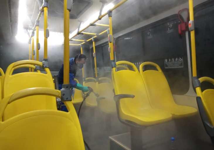 Prefeitura de Manaus intensifica vistorias nas garagens de ônibus para combater Covid-19