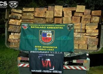 Em Manacapuru, Batalhão Ambiental da PMAM apreende caminhão transportando 12 metros cúbicos de madeira ilegal