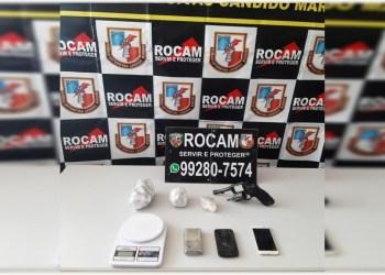 Polícia Militar apreende menor por porte ilegal de arma de fogo e tráfico de drogas na zona leste