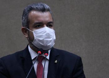 Vereador Peixoto parabeniza trabalhadores rurais pelo dia da categoria durante sessão plenária na CMM