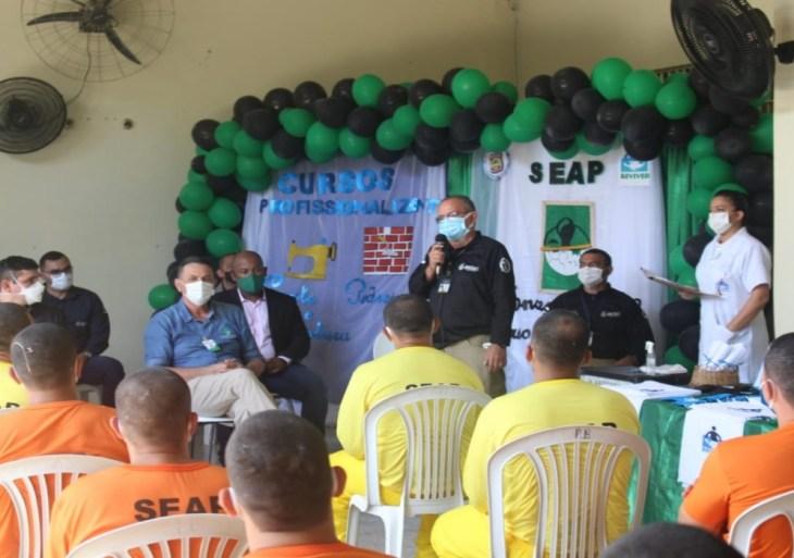 Seap e Cetam certificam internos da UPI de Itacoatiara e realizam a abertura de novos cursos