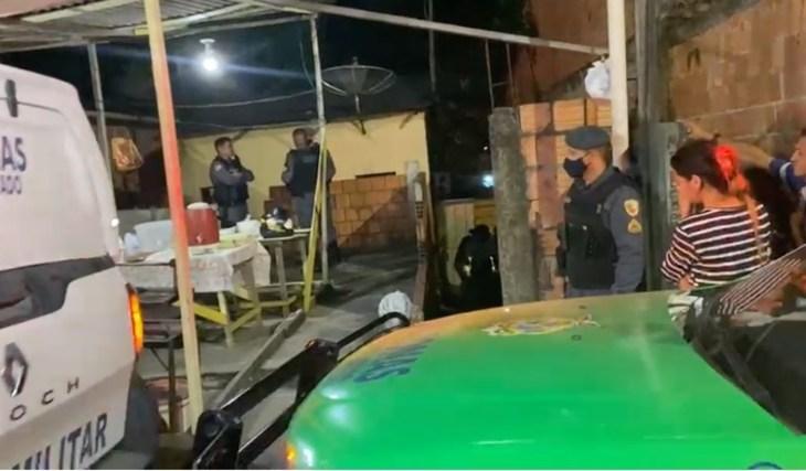 Mãe e filha são executadas a tiros em banca de churrasco em Manaus