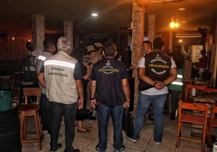 Central Integrada de Fiscalização fecha bar com mais de 300 pessoas na zona leste